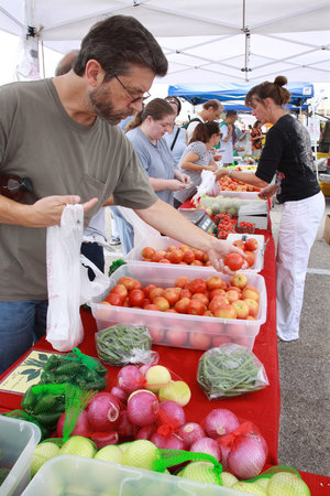 yet another farmer's market that Austin has to offer, every Sunday ...